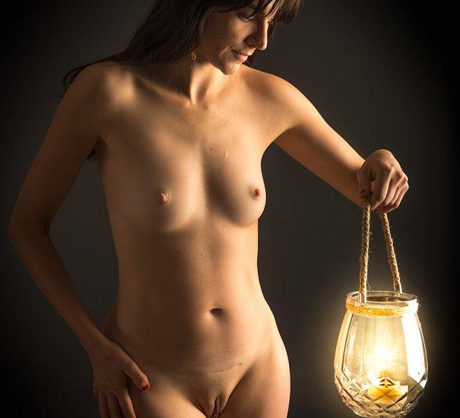 dziewczyna i lampa
